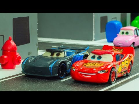 City Race Lightning McQueen VS. Jackson Storm Disney Pixar Cars 3 Toys