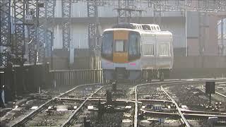 近鉄鶴橋駅にて 平日朝ラッシュ時の大阪線&奈良線の列車