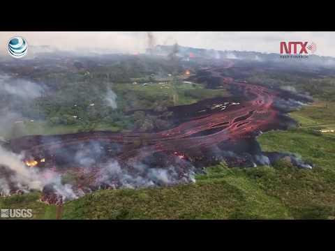 Lava del volcán en Hawái entra al Pacífico