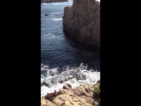 Cliff jumping in big sur