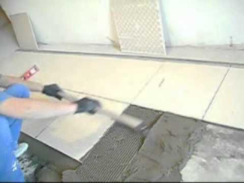 видео: Укладка плитки. Самый лёгкий способ. Своими руками.
