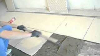 Укладка плитки. Самый лёгкий способ. Своими руками.(Новый инструмент для укладки плитки. Гребёнка Островерхова., 2011-02-10T05:09:53.000Z)