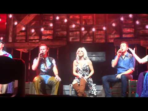 Steps - It's The Way You Make Me Feel (Intro) (Live @ Manchester Arena, Manchester, UK, 03-12-2017)