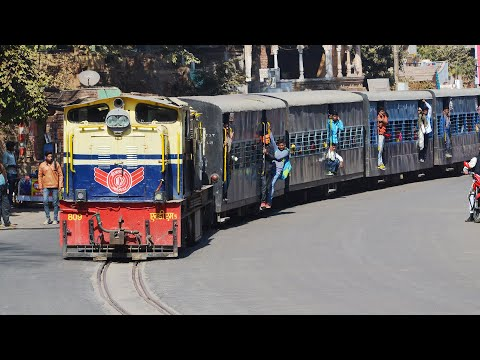 Train on Road - Sabalgarh Gwalior NG Passenger at Ghosipura LC, Gwalior