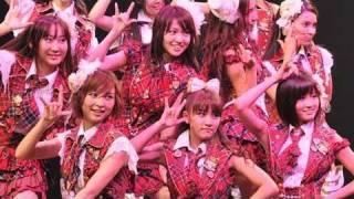 AKB48が大学校歌お披露目 副学長の秋元康さん作詞