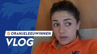 """OranjeLeeuwinnen-vlog #1 """"Wat doen wij eigenlijk de hele dag?"""""""