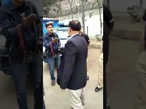 Lawyer behavior with journalist and police at Karachi