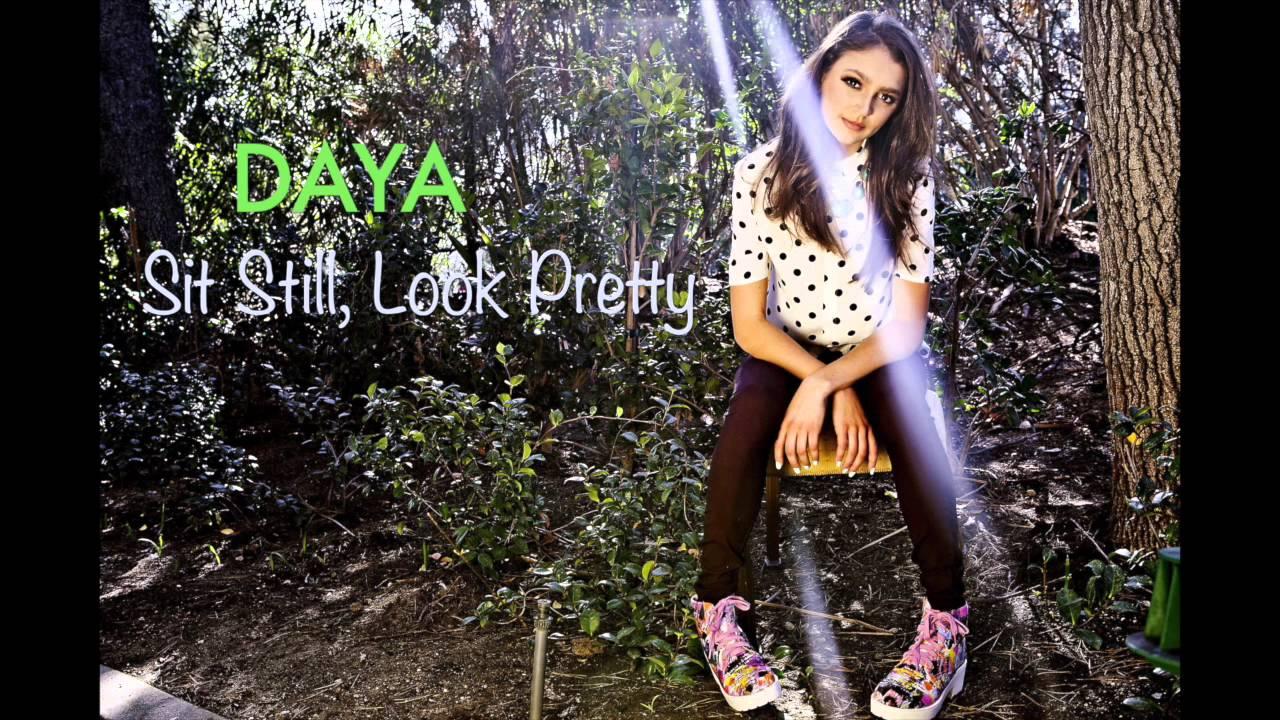 Daya- Sit Still, Look Pretty (Karaoke/Instrumental Version) - YouTube