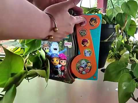 Beat Bugs® Little Music Note 6 Button Musical Book