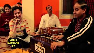 "^MuniMeter.com - Meerabai - ""Payoji Maine Ram Ratan Dhan Payo"" - Group Bhajan"