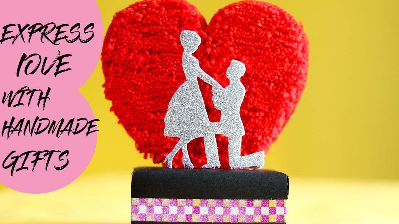 EASY DIY GIFT OUT OF WASTE | DIY HANDMADE SHOWPIECE | - YouTube