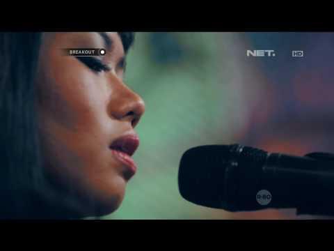 Yura Yunita - Berawal Dari Tatap (Live at Breakout)