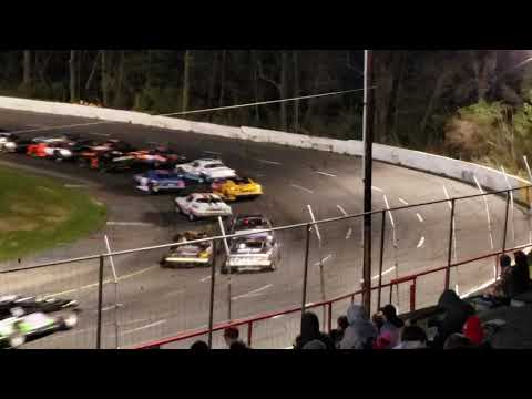 Street Stock Feature at Mahoning Valley Speedway 4-27-19