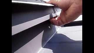 コーキングのみって...札幌屋根 雨漏り原因追跡 修理  樋口板金 thumbnail