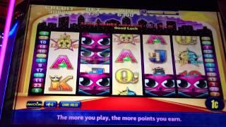 VIP All Stars-Aristocrat Slot Machine Bonus (Miss Kitty Feature)