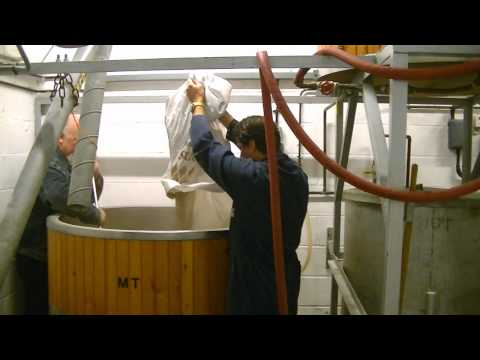 Brewing At The Panther Brewery - Red Panther 4.1%