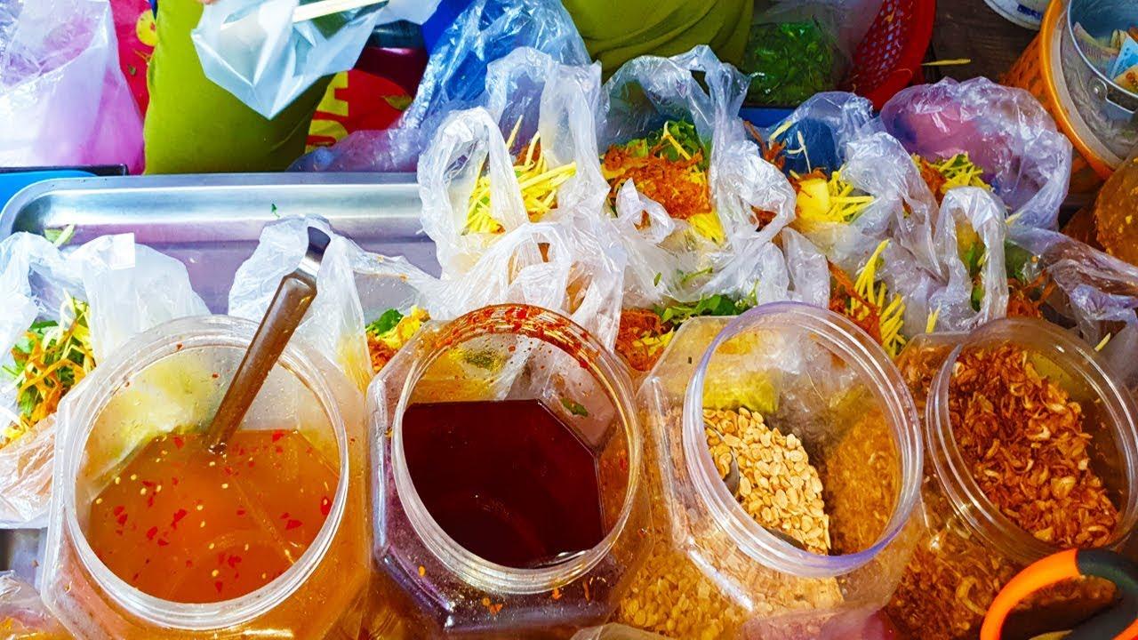 Đệ nhất Bánh Tráng Trộn Chan Nước Mắm có 1 không 2 hơn 10 năm ở Gò Vấp