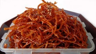 Seasoned Dried Shredded Squid (ojingeochae Muchim: 오징어채무침)