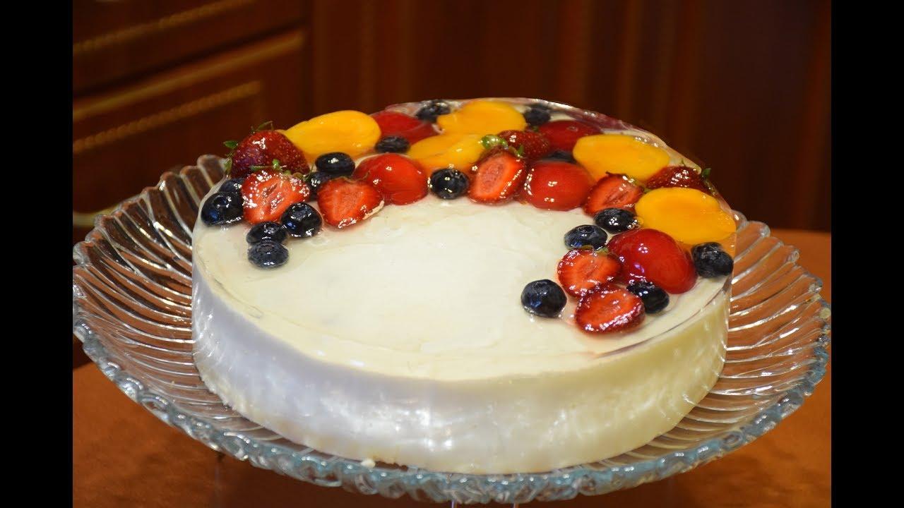 Желейный торт с фруктами и сметаной без выпечки.