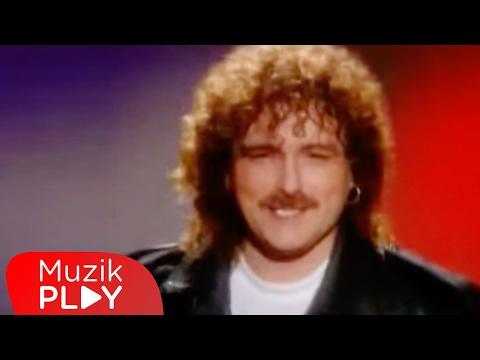 Harun Kolçak - Gir Kanıma (Official Video)