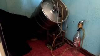 Карбонизация в кегах , как избавиться от дрожжей !(Пиво чистое до последнего литра , и 1 литр с дрожжами которые используем для нового пива !!, 2017-02-17T14:30:09.000Z)