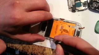 Ремонт телефонов AYmobile. Как разобрать телефон Samsung S5282. How to disassemble the phone S5282(Все запчасти и инструменты на нашем сайте - http://aymobile.com.ua Мы в ВК http://vk.com/aymobile Здравствуйте, уважаемые зрители..., 2013-11-22T10:02:31.000Z)