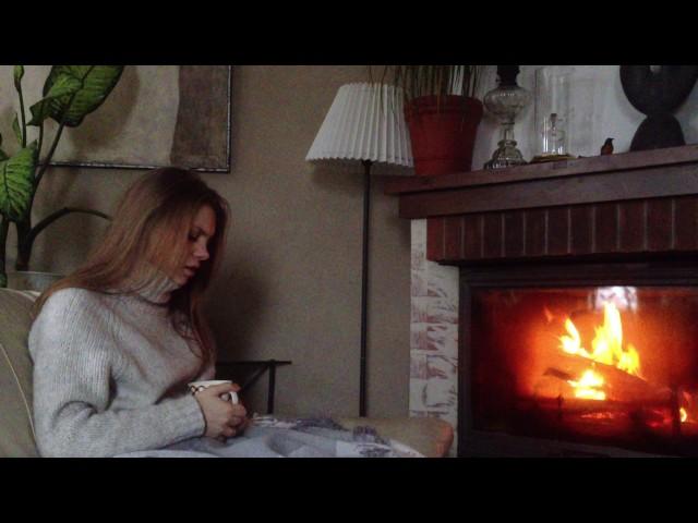 Изображение предпросмотра прочтения – ВарвараКравцова читает произведение «Она сидела наполу…» Ф.И.Тютчева