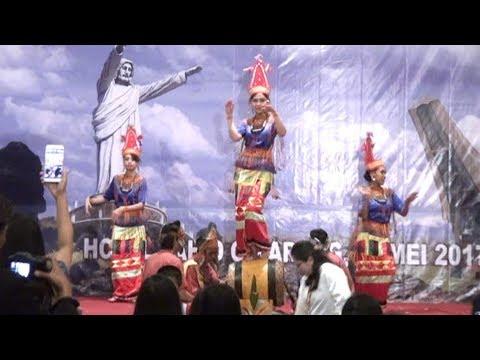 Tarian Toraja Pa'Gellu dari Sulawesi Selatan di Cikarang