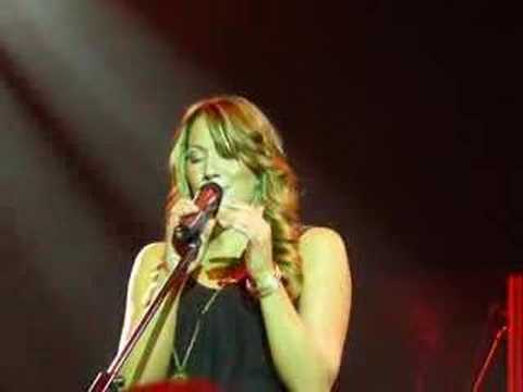 Colbie Caillat - Turn Your Lights Down Low (f Justin Young)