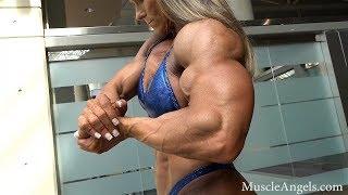 Muscle Women flexing HARD
