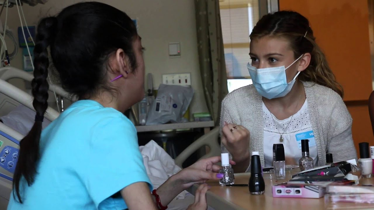 """G Hannelius throws """"nail party"""" for patient at CHLA - YouTube"""
