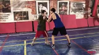 Упражнение для увеличения силы удара в боксе. Пуш-пуш.