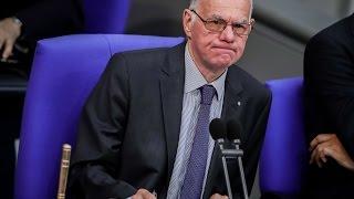 Merkel schwatzt, Lammert meckert - Bundestag-Outtakes S01E01