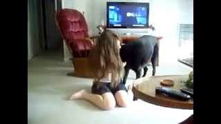 Repeat youtube video a girl and her dog mujeres que juegan con los perros