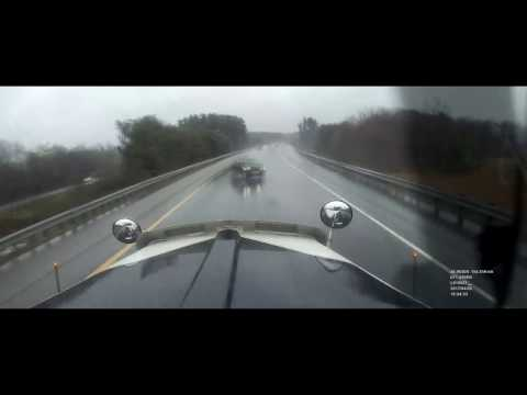 Driving The W900L - Close call on i93 in New-Hampshire