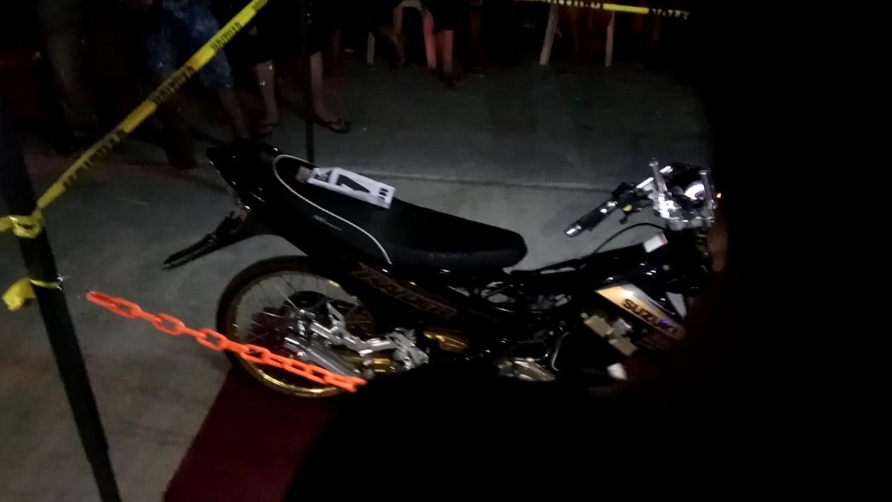 motorcycle shooting k  Raider 150 shooting flames at motorcycle show - YouTube
