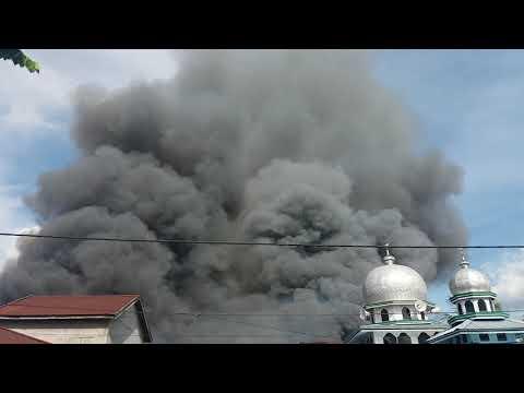 Detik-Detiknya kebakaran di jln panglima kuala tungkal