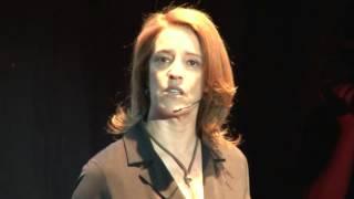 O poder da comunicação neste século: Laurinda Alves at TEDxAveiro