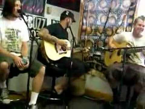 authority-zero-broken-dreams-live-acoustic-antonio-fierro