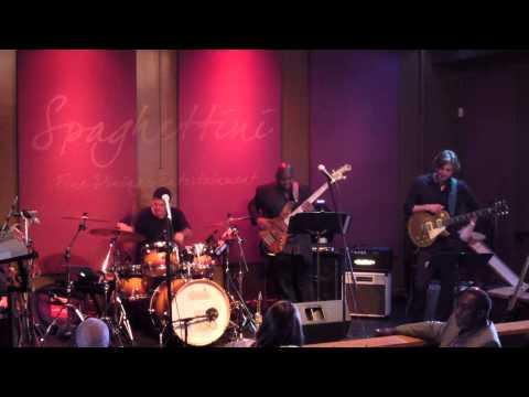 Mambo 2000 - Warren Hill @ Spaghettini (Smooth Jazz Family)