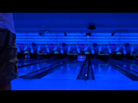 Midnight bowling fun hooking 16 lb 900 global bank pearl bowling ball