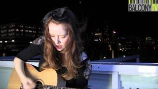 CLAIRE QUINN - RUNNING FALLING FADING (BalconyTV)