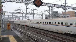 高崎駅 E7系の通過とE4系の発車 2019年8月28日