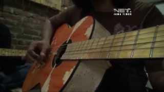 NETJatim - Gitar Akustik dari Limbah Stik Es Krim