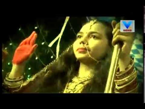 Navratri 2017: Women playing 'Bhuva Ras' to preserve lost culture in Surat | Vtv News