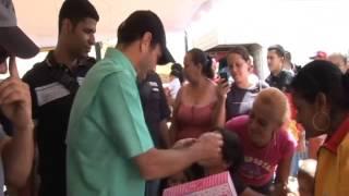 GOBERNADOR DE MIRANDA, HENRIQUE CAPRILES ENTREGÓ JUGUETES A NIÑOS DEL MUNICIPIO SUCRE