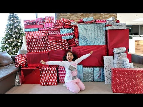 Christmas Morning Tiana And Family Opening Presents  Toys AndMe Special