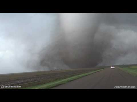 Violent tornado from extreme close range south of Dodge City, KS on May 24, 2016!