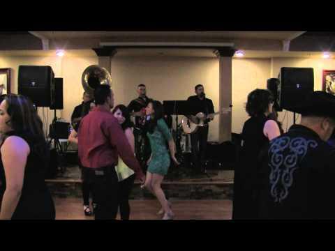 Grupo Los Exclusivos - El Sinaloense **en vivo Valle Central San Fernando**