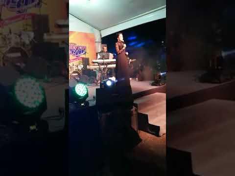 Azie Melangkah Terpaksa showcase at Rtm johor bersama Radio Klasik